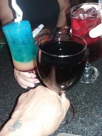 Dros Restaurant and Wine Cellar: ....cheers again @ Dros