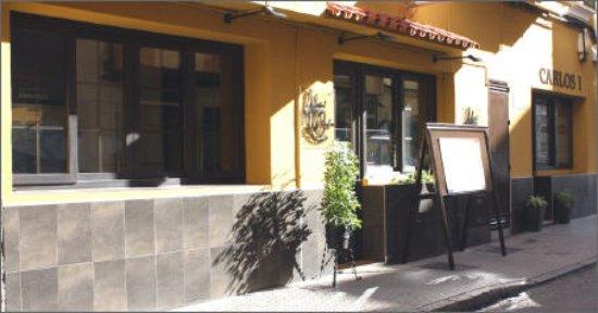 Restaurant Hostal Carlos: entrada