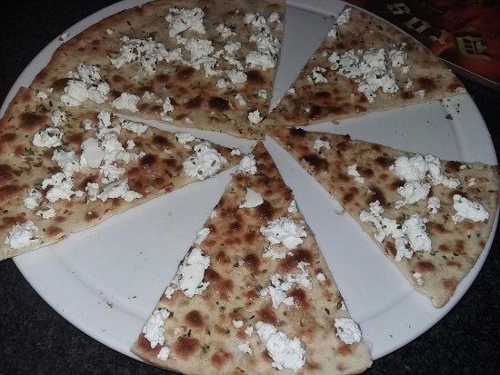 Dros Restaurant and Wine Cellar: ...garlic bread & Feta cheese starter