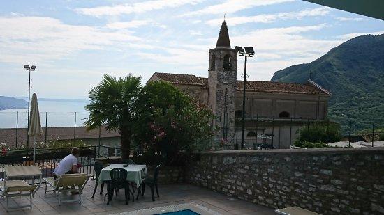Hotel Gallo: That church bell defines annoying