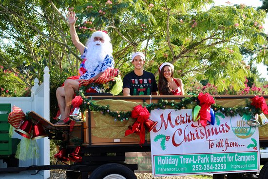 Holiday Trav-L-Park Resort: Santa and his elves came to visit for Christmas in July! Presents and summer-time cheer for ever