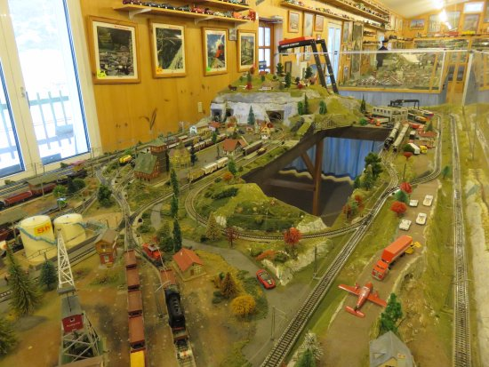 Hartmann Model Railroad & Toy Museum: Intricate detail in the working model setups