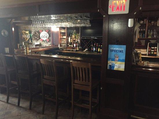 The Red George Pub: comptoir et bar