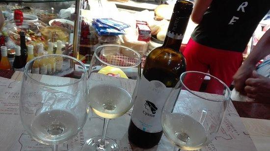 Winery Avola Photo