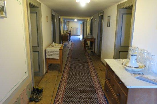 Saint-Luc, Switzerland: Hotel corridor on third floor