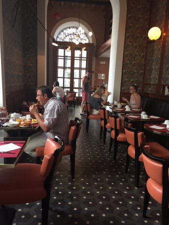 Hotel Damaso: Free breakfast was excellent