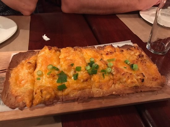 Lynbrook, NY: yummy buffalo chicken flatbread