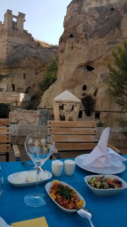 Mustafapasa, Turchia: Breakfast at the padio
