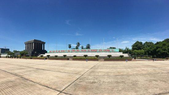 Classy Travel: Ho Chi Minh Mausoleum