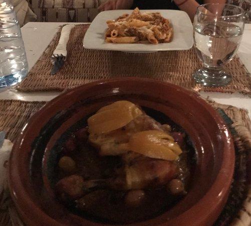 Atay Cafe - Food: Magnífico el tallin de pollo al limón... muy recomendable. Ambiente agradable, vistas inmejorabl
