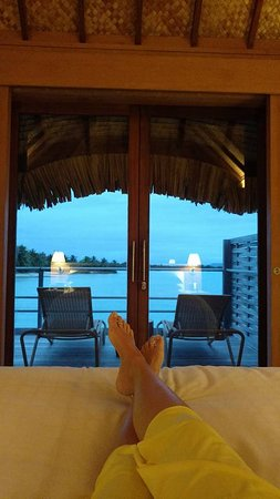 Four Seasons Resort Bora Bora: View from the bed