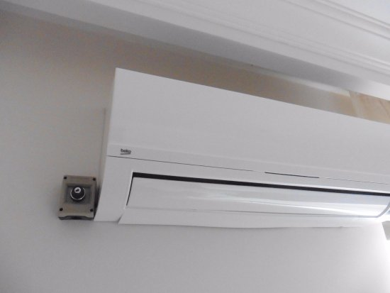 Alvaro: Lock switch to turn off air conditioning unless your pay £4 per 10 hours daily