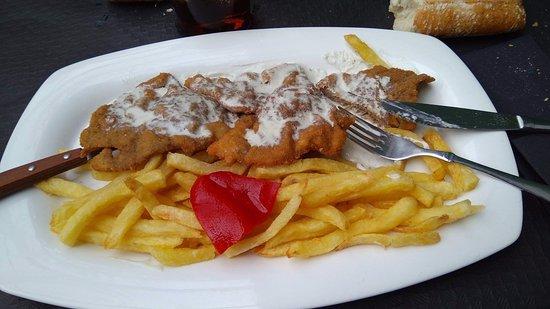 Restaurant El Repelao: escalopines al cabrales, delicioso.