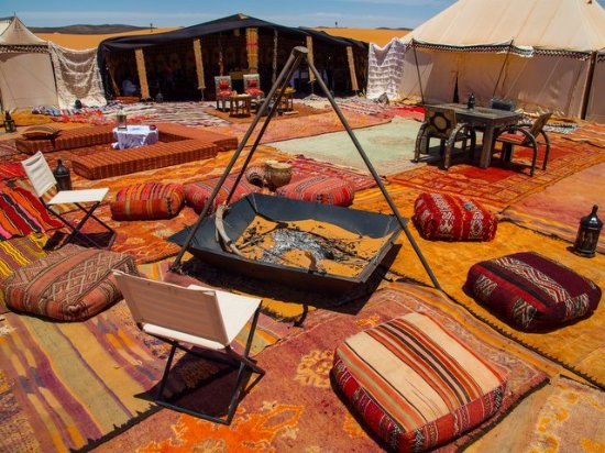 Desert Majesty: Luxury camp