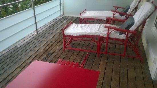 Hotel Davos Inn: Terrasse équipée