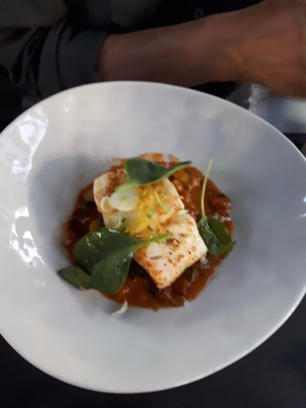 L'Avant Gout du Hameau: Cod with spinach and chorizo