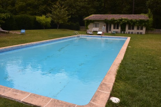 Chateau de la Bourdaisiere: Pool and changing house