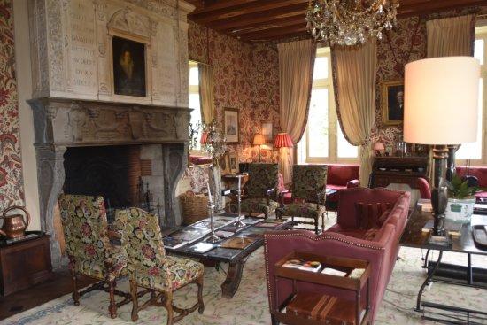 Chateau de la Bourdaisiere: The Library