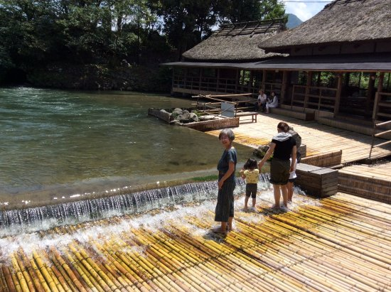 Yanaba Kosa-machi: やな場で水遊び
