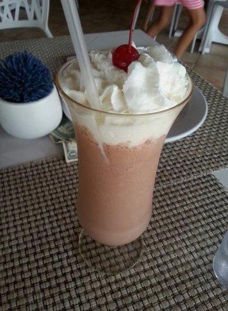 Catalonia Playa Maroma: Awesome milkshakes at the creperie