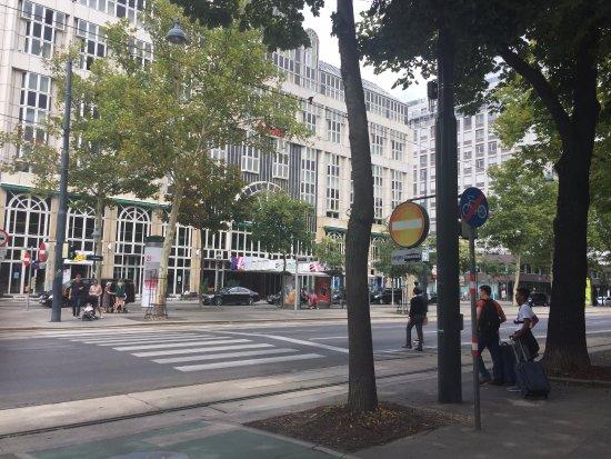 Vienna Marriott Hotel: From the park