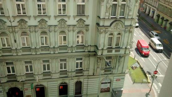 Royal Court Apartments : Vista desde la ventana