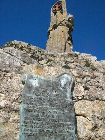 Virgen de la roca: Monumento y entorno