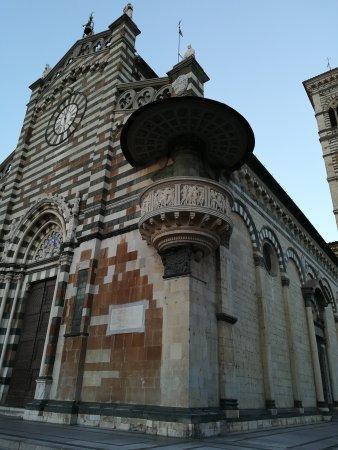Duomo di prato olaszorsz g rt kel sek tripadvisor for Piazza duomo prato