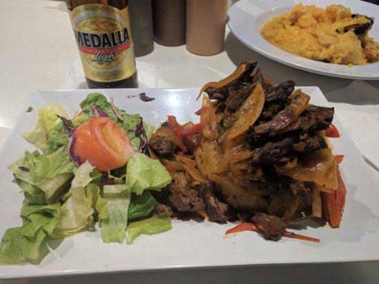 Cayo Caribe condado: Steak Mofongo with side salad.