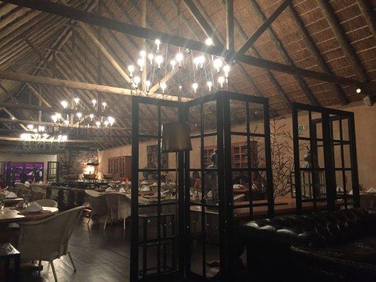Pululukwa Resort: Restaurante