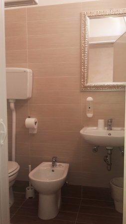 Hotel Till: Bagno camera 40