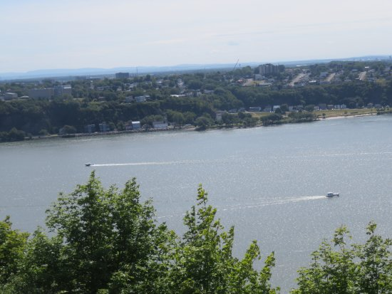Terrasse Dufferin : View of the St. Lawrence River from the top Lookout Point