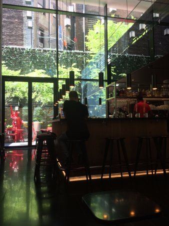 citizenM New York Times Square: Bar of the hotel