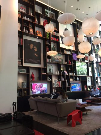 citizenM New York Times Square: Relaxing area