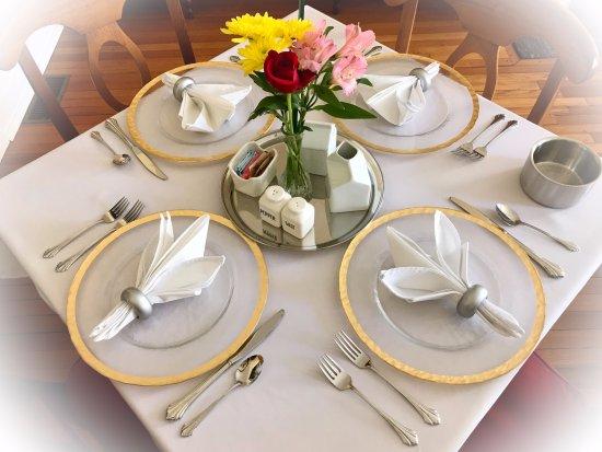 Hummingbird Inn: Close up of breakfast table setting