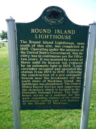 Round Island Lighthouse: descriptive sign