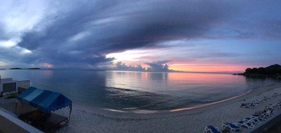 Samui Resotel Beach Resort: Рассвет