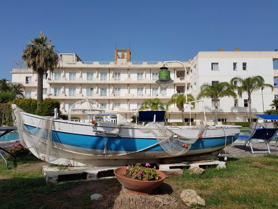 Piscina bild von club hotel kennedy roccella ionica for Piscina kennedy