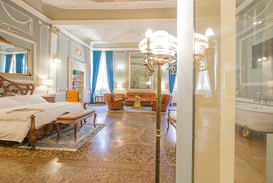 Corte Realdi Luxury Rooms Verona: Luisa King Suite