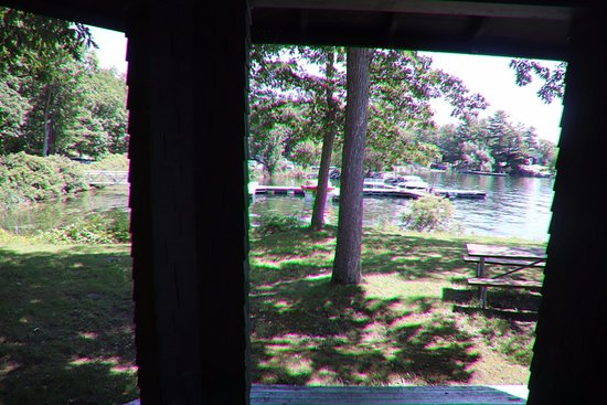 DeWolf Point State Park: The gazebo where we ate