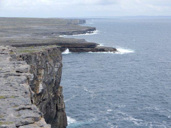 Aer Arann Islands: Cliffs of Inis Mor