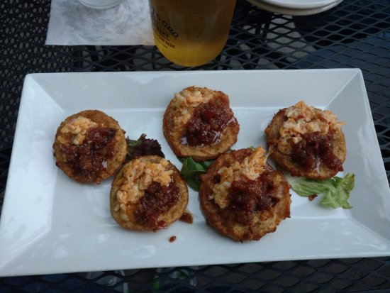 Puckett's Boat House: FRIED GREEN TOMATOES WITH BACON JAM