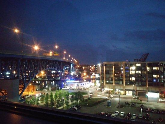 Aloft Cleveland Downtown Photo
