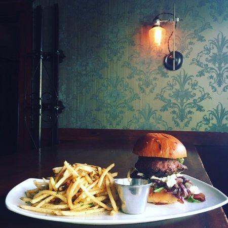 The Raymond Restaurant: award-winning food and vintage decor