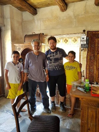 Tekkaya Cave Hotel: With Oguz and the twins. Oguz and Naila made our stay at Tekkaya Cave memorable. Thanks for the