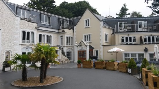 Fermain Valley Hotel: Hotel Grounds