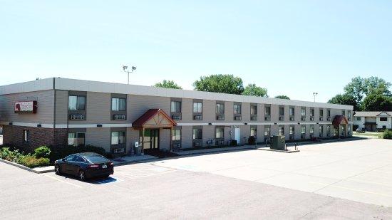 Prairie Inn: Parking