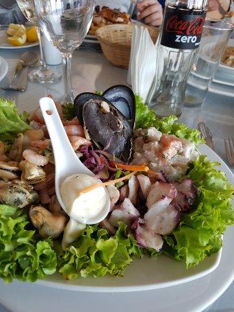 Restaurant Bote Salvavidas Photo