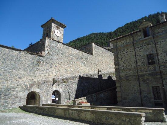 Forte di Fenestrelle: Torre con l'orologio e campana