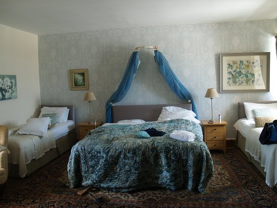 Goathurst, UK: The Blue Room in the main farmhouse